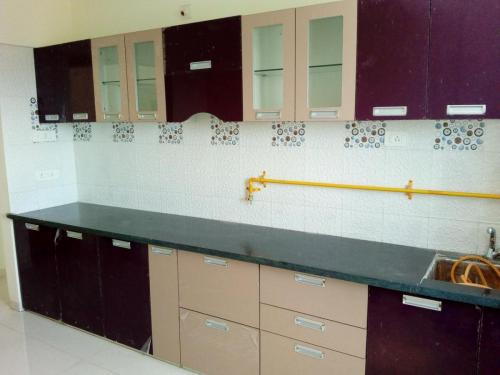 Acrylic Kitchen with consoled handle