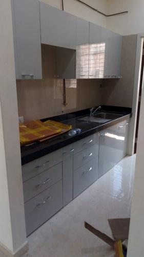 GRY LAMINATE KITCHEN